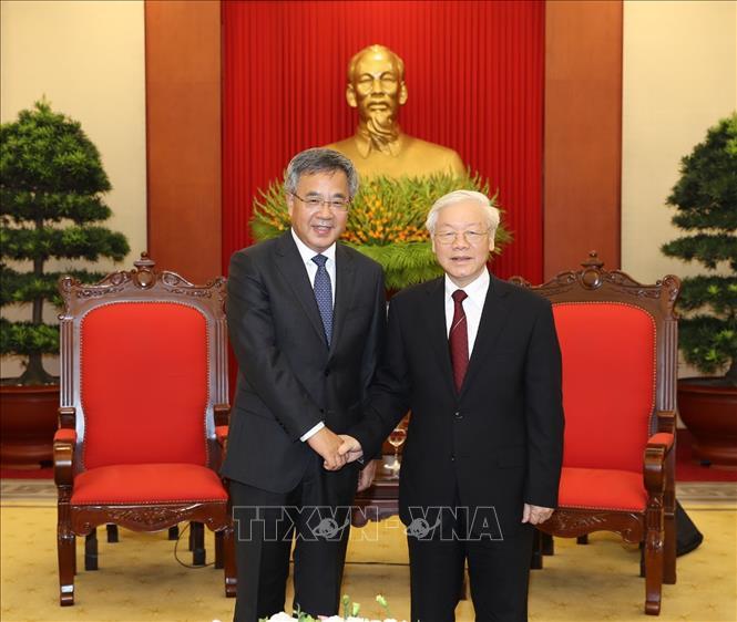 越共中央总书记阮富仲会见中国国务院副总理胡春华