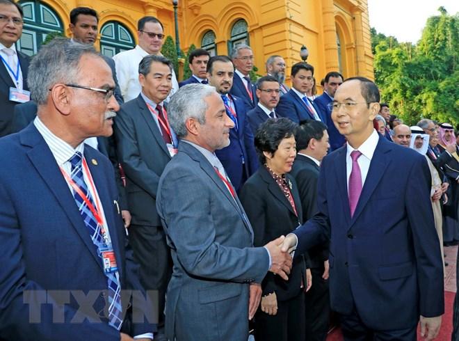 国家主席陈大光会见亚审组织各机构代表团团长