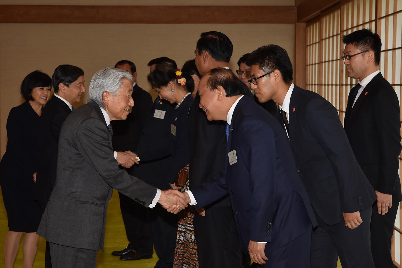 阮春福总理和湄公河流域国家领导人拜访日本天皇和皇太子