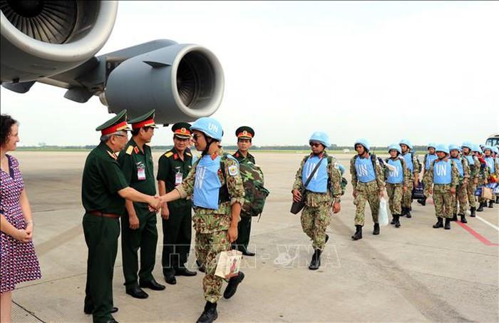 越南第二批赴南苏丹维和力量出征仪式举行