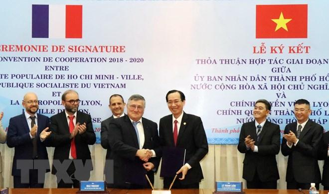 推动胡志明市与法国里昂市间的合作关系
