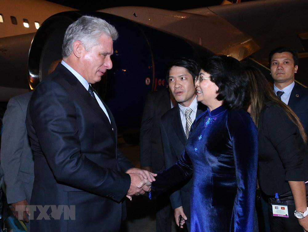 古巴国务委员会主席兼部长会议主席开始对越南进行访问