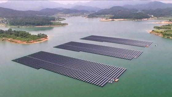 浮动太阳能:未来的电能措施