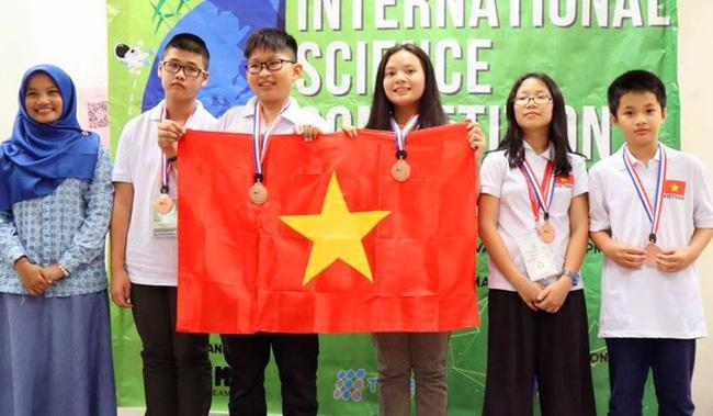 越南学生在2018年第一届国际科学竞赛上勇夺佳绩