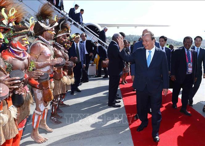 越南政府总理阮春福抵达巴布亚新几内亚开始出席APEC 26