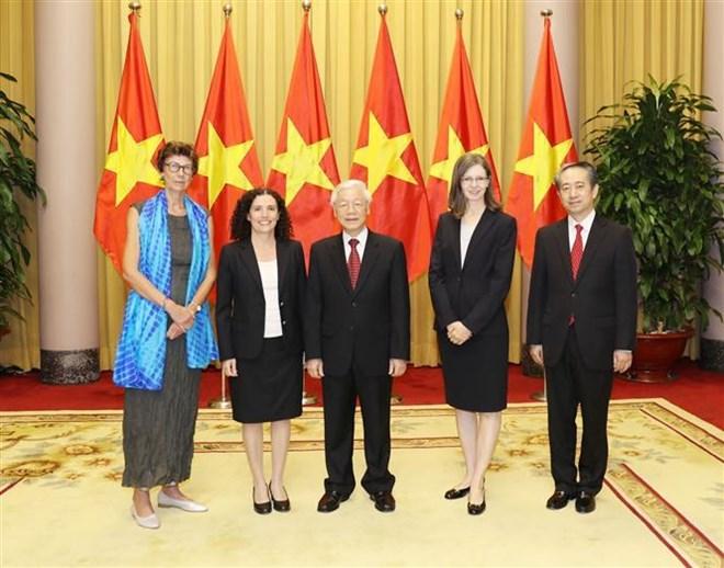越共中央总书记、国家主席阮富仲接受四国新任驻越大使递交国书