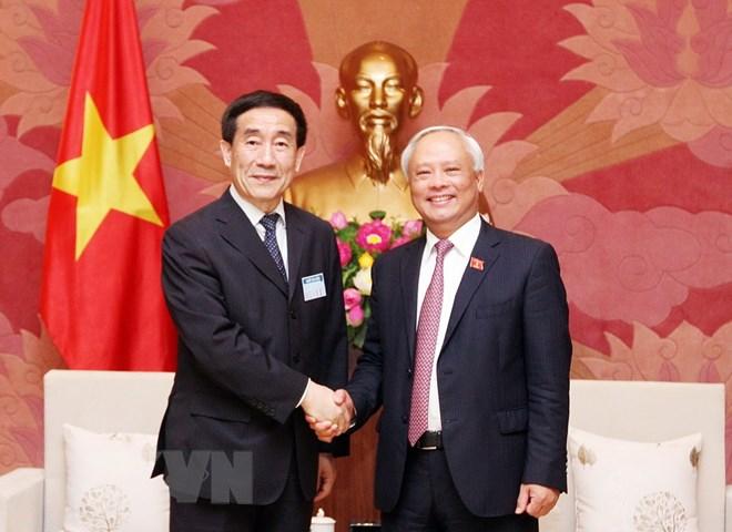 加强越中两国立法领域的合作