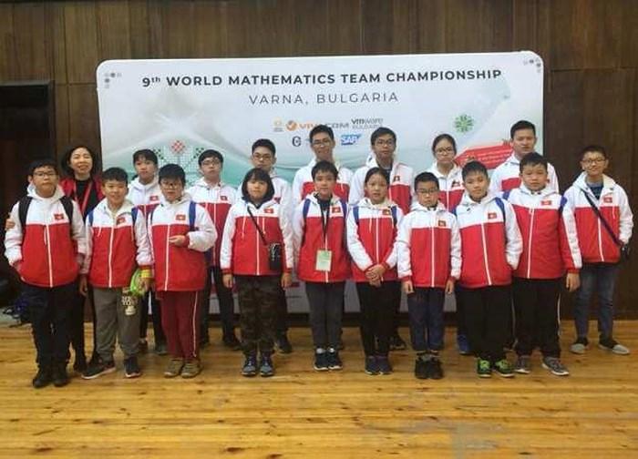 越南代表队在世界数学团体锦标赛勇夺9金