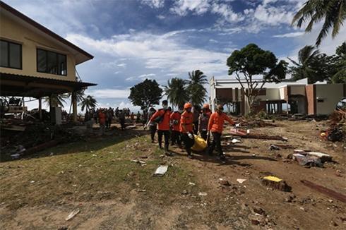 印尼海啸造成至少430人死亡 搜救安置工作进展顺利