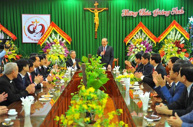 越南政府常务副总理张和平在发焰艳主教座堂庆祝2018年圣诞节
