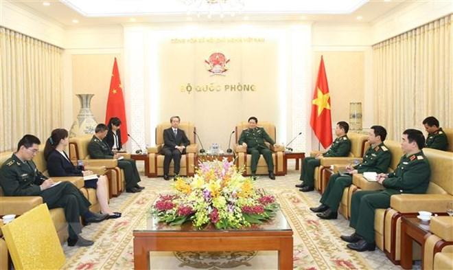 越南国防部长吴春历会见中国驻越大使