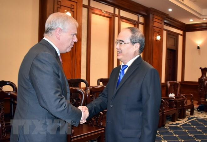 胡志明市与英国推进合作共赢