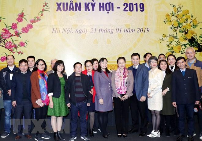 国会主席阮氏金银会见新闻媒体机构领导代表和记者