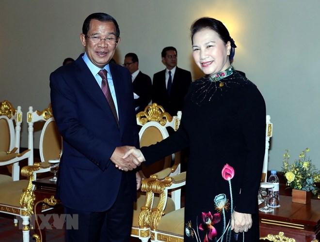 增强越柬老三国团结之情