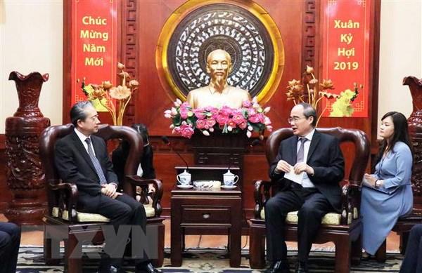 胡志明市市委书记阮善仁会见中国大使