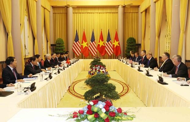越共中央总书记、国家主席阮富仲与美国总统特朗普举行会谈