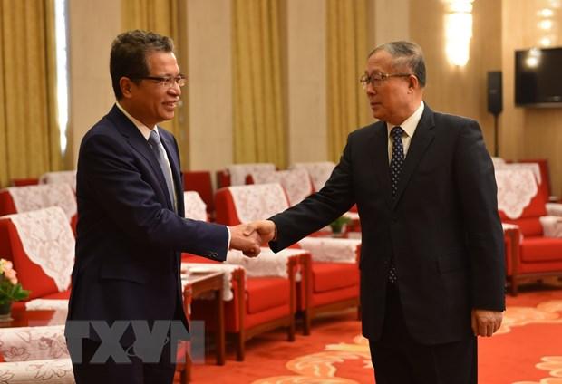 推动越南各地与中国天津市的合作