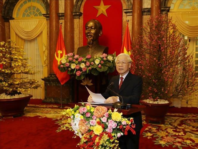 越共中央总书记、国家主席阮富仲向党和国家领导、全国军民拜年