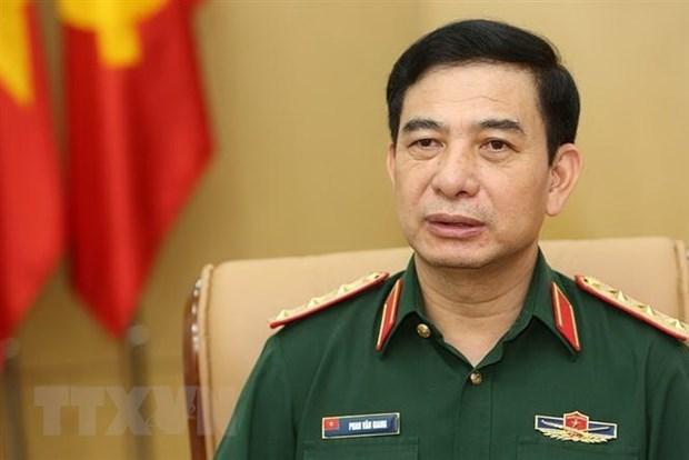 越南军队高级代表团访问新加坡