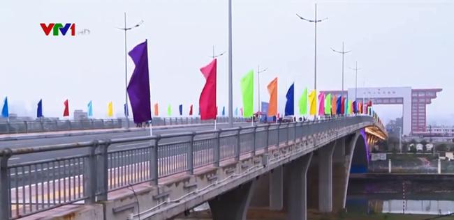 中国东兴——越南芒街口岸北仑河二桥正式启用