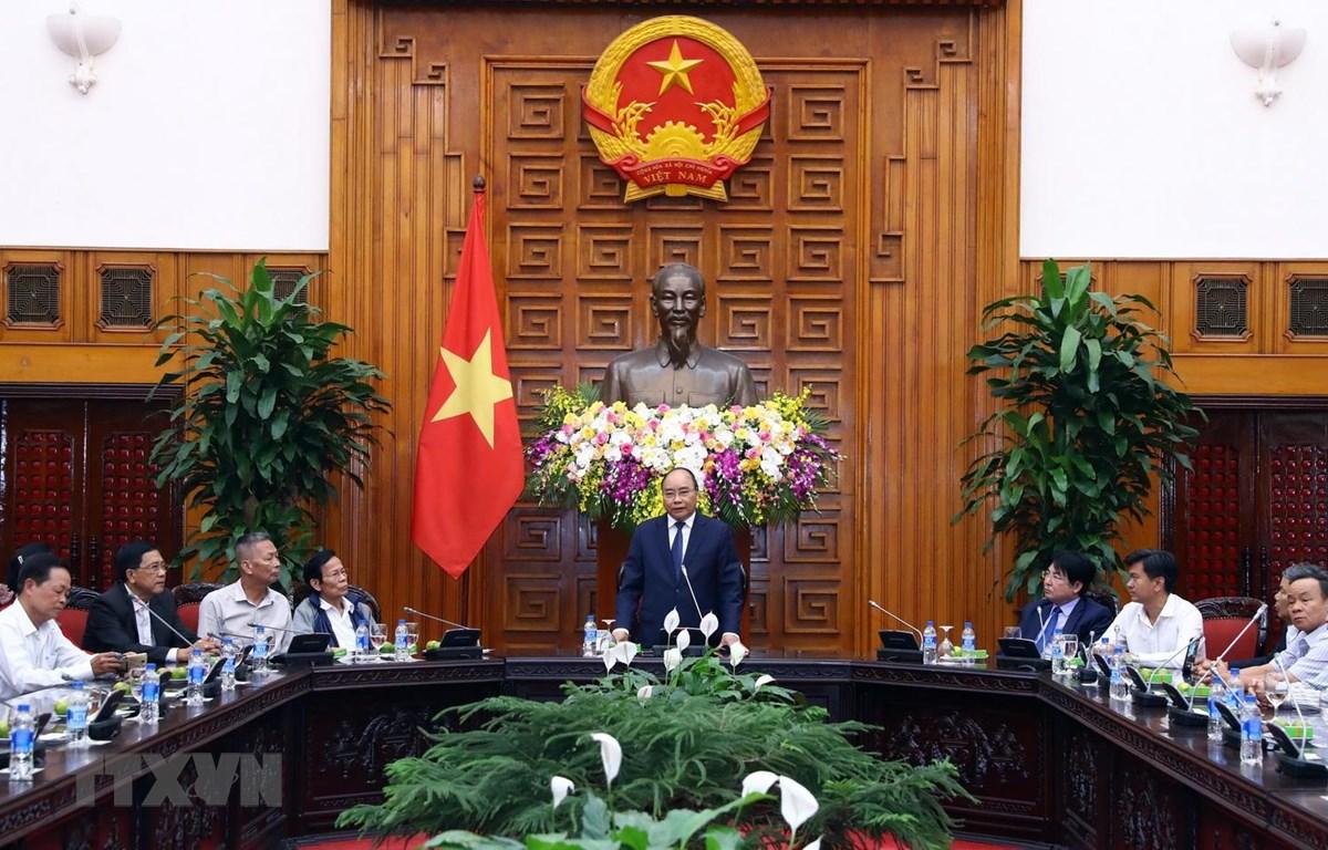 政府总理阮春福会见岘港市海州郡对革命有功者代表团
