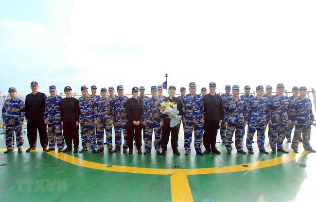 越中海警开展北部湾共同渔区渔业海上联合检查