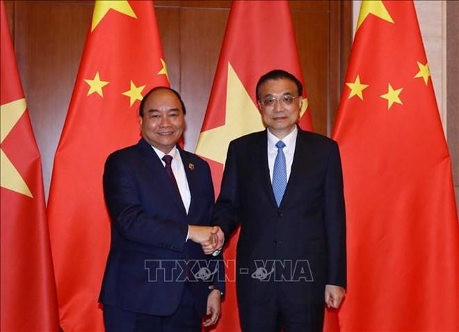政府总理阮春福与中国国务院总理李克强举行会谈