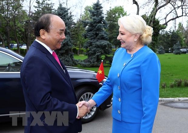 政府总理阮春福与罗马尼亚总理登奇勒举行会谈