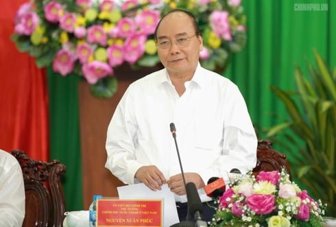 阮春福总理与九龙江平原地区各地领导人座谈