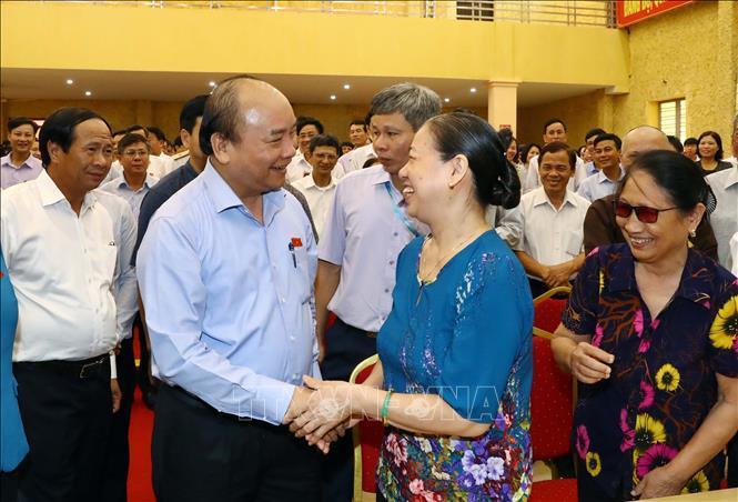 越南政府总理阮春福与海防市选民会面