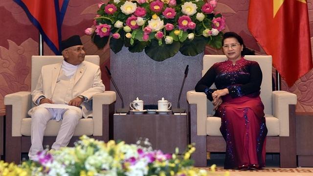 越南国会主席阮氏金银会见尼泊尔总理夏尔马•奥利