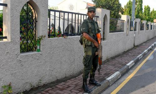 斯里兰卡在全国范围实行宵禁
