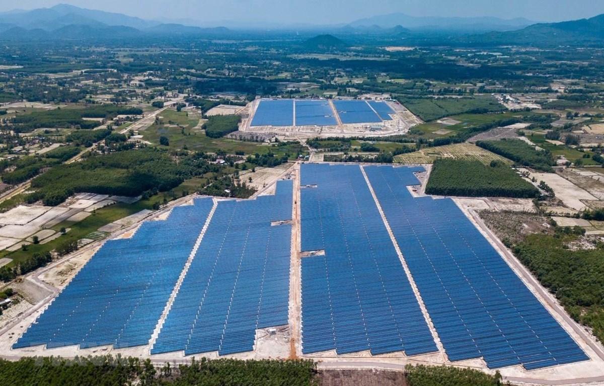 平定省吉侠太阳能发电厂并入国家电网