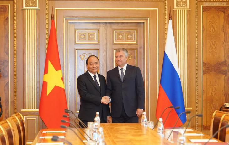 阮春福总理会见俄罗斯国家杜马主席和俄罗斯联邦委员会主席