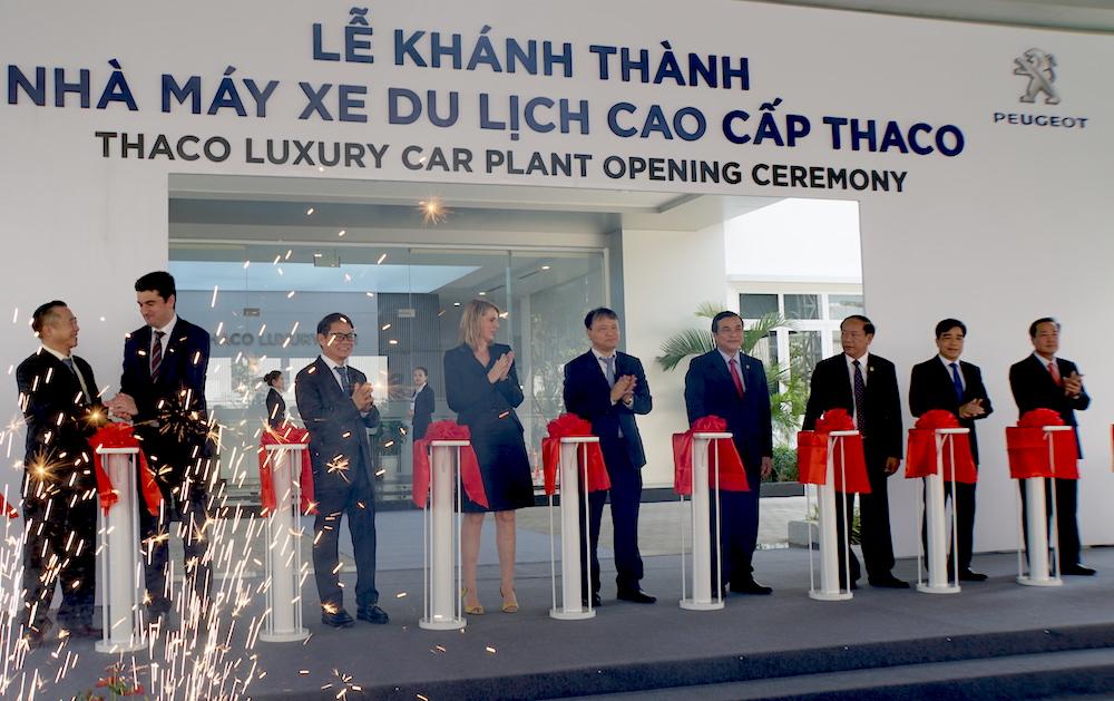 长海汽车制造集团高端旅行车生产厂落成启用