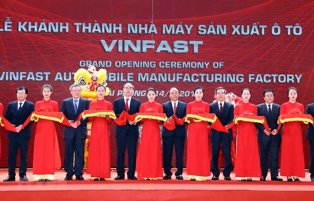 阮春福总理:VinFast要主动与越南汽车生产商合作