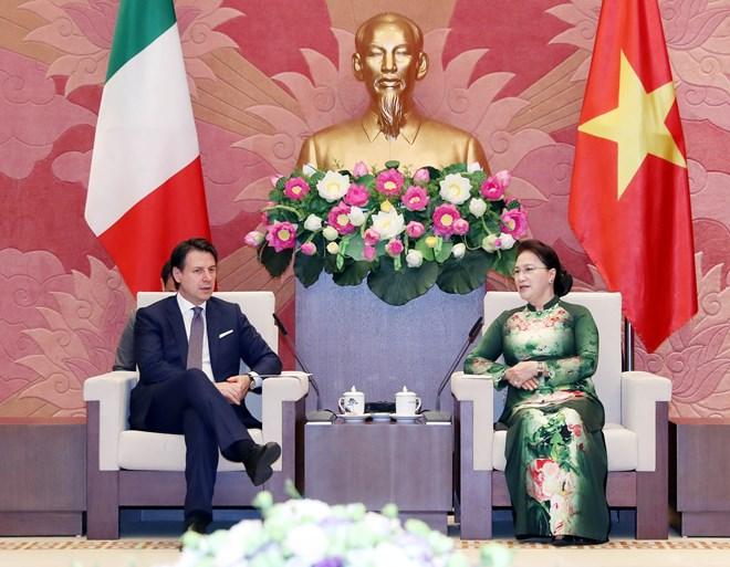 国会主席阮氏金银会见意大利总理朱塞佩•孔特