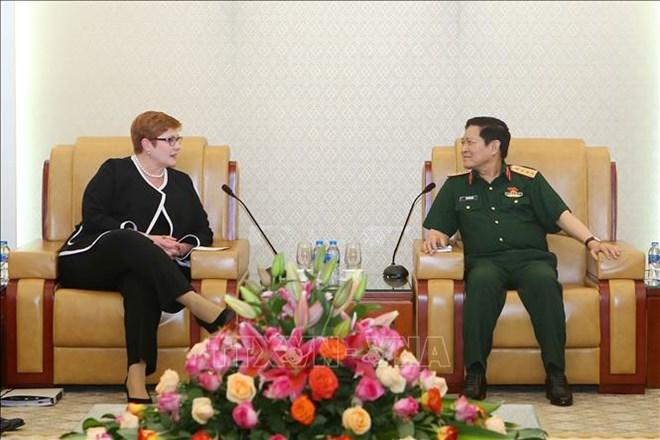 国防部部长吴春历会见澳大利亚外长玛丽斯•佩恩