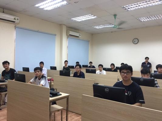 2019年亚洲信息学奥林匹克竞赛:参赛的越南七名学生均获银奖