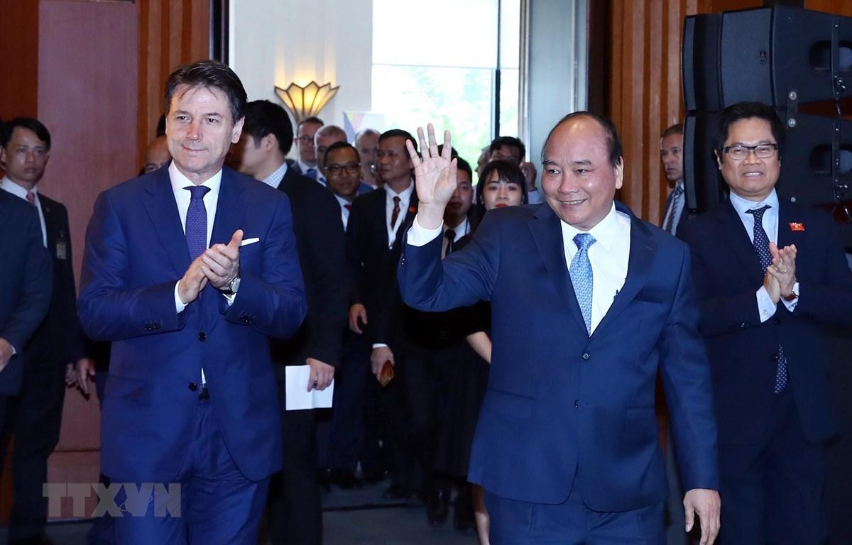阮春福总理与孔特总理共同主持意大利-东盟企业论坛