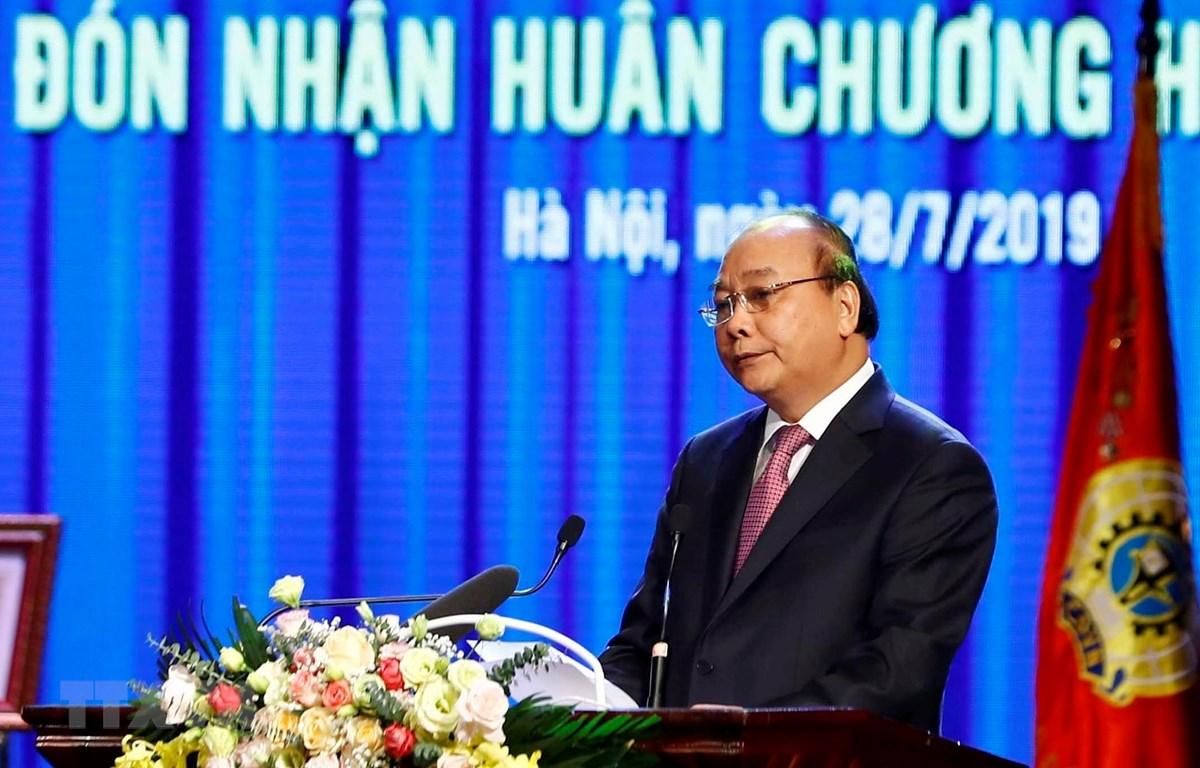 阮春福总理:继续大力革新工会活动内容和方式