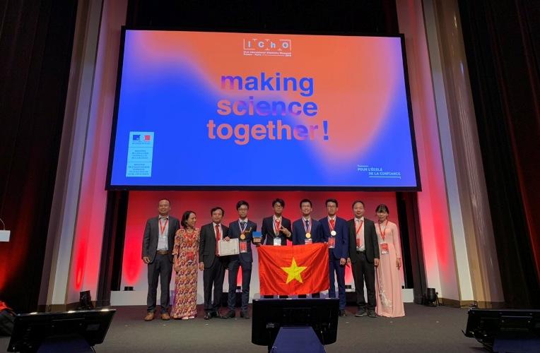 越南学生在2019年国际化学奥赛中获两金两银