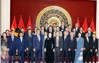 越南国会主席阮氏金银造访越南驻中国大使馆