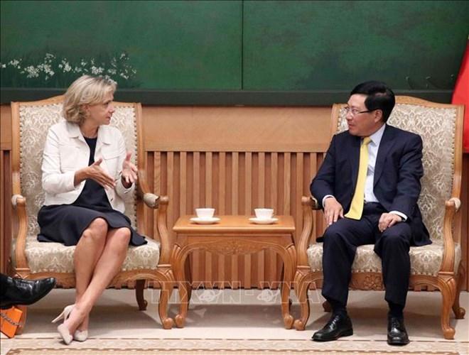 范平明副总理会见法兰西岛大区议会主席