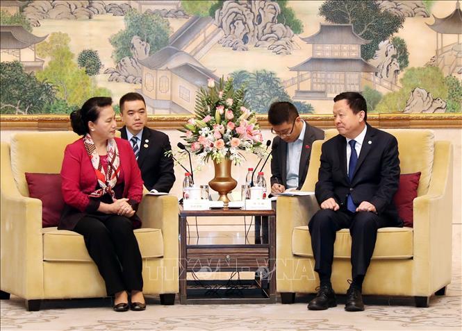 国会主席阮氏金银会见中国苏州市市委书记周乃翔
