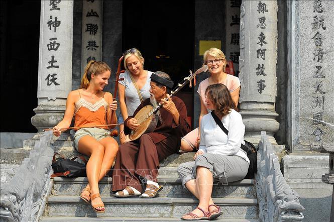 今年前7个月赴越国际游客量达近980万人次
