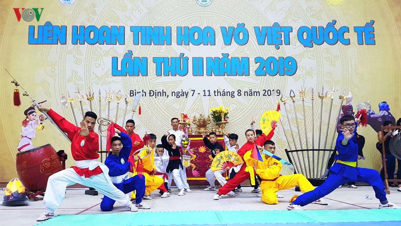 """15 个国家和地区的运动员参加2019年第二次""""越南武术精华""""国际联欢会"""