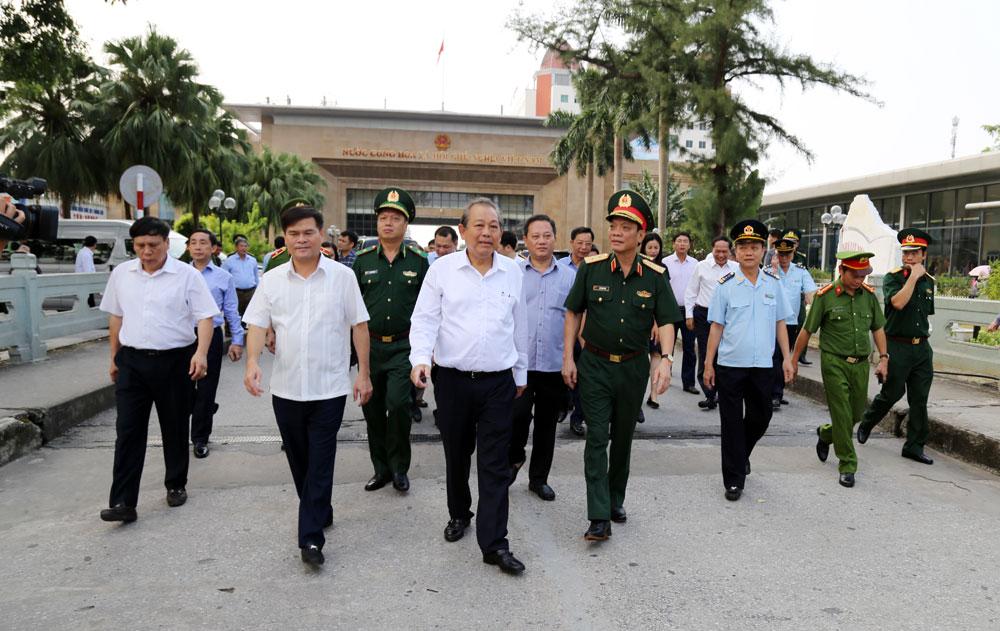 越南政府常务副总理张和平视察广宁省