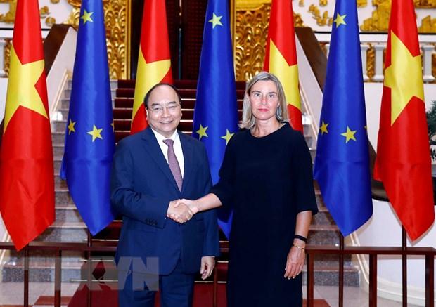 越南政府总理阮春福会见欧洲委员会副主席费德丽卡