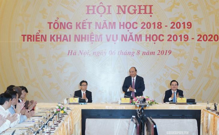 阮春福总理出席2019-2020学年任务部署会议